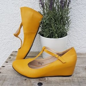 Shoes - Adorable Mustard Shoes